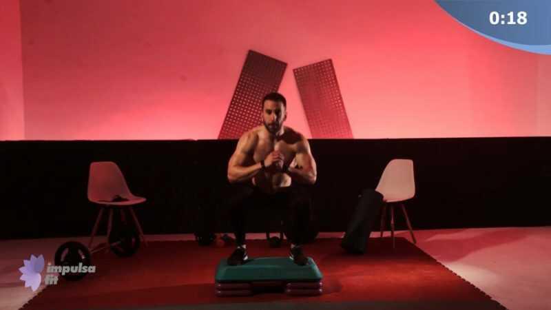 Vídeo 2: Entrenamiento Funcional en Circuito Full Body con Saltos al Cajón, Peso Muerto con Barra y Elevaciones