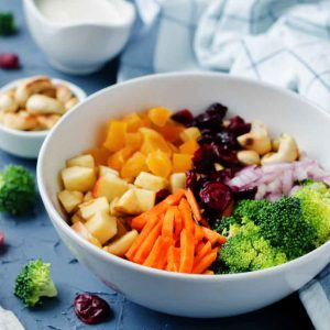 Ensalada de brocoli zanahoria y nueces