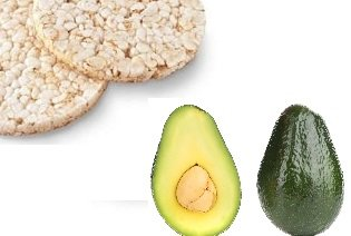 2 tortitas integrales de maíz o arroz con 40g aguacate y aceite de oliva.